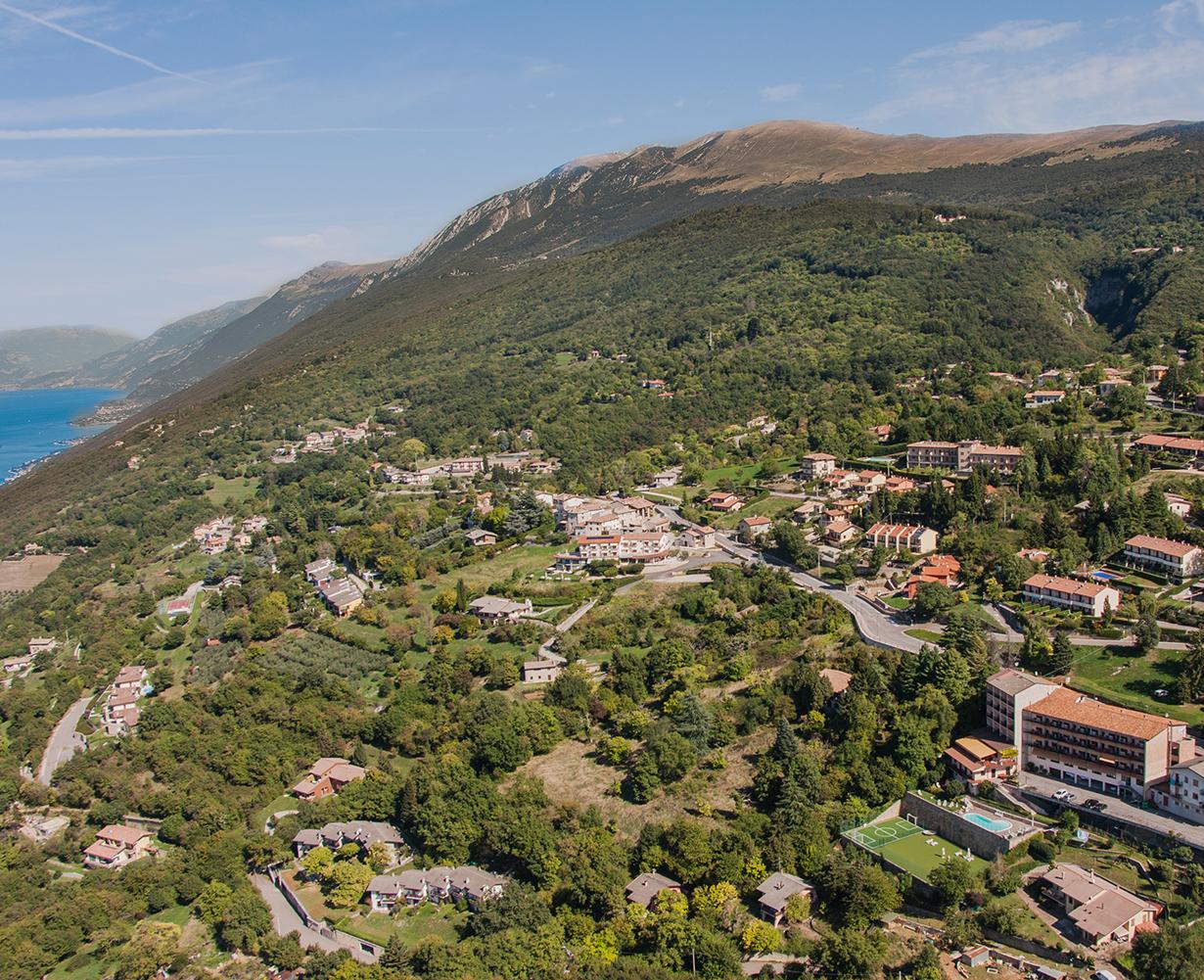 monte-baldo-hotel-piscina-san-zeno-di-montagna