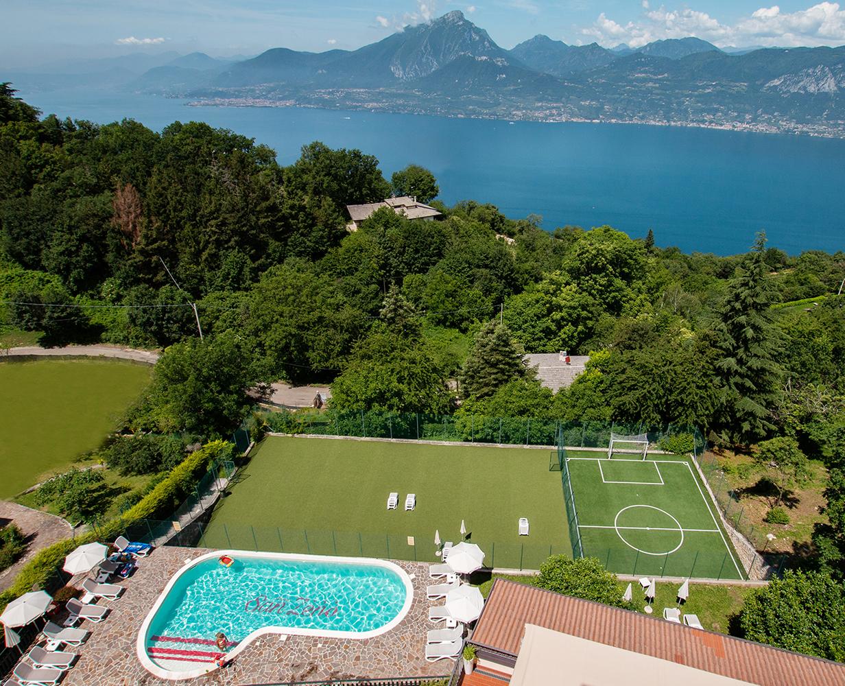piscina-solarium-hotel-san-zeno