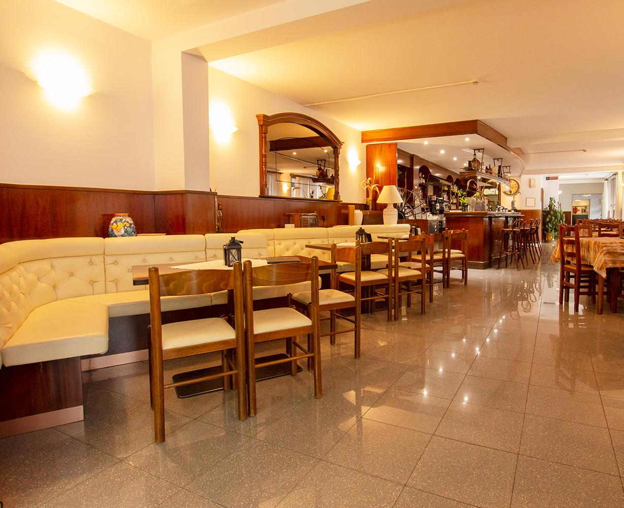 sala-bar-hotel-san-zeno