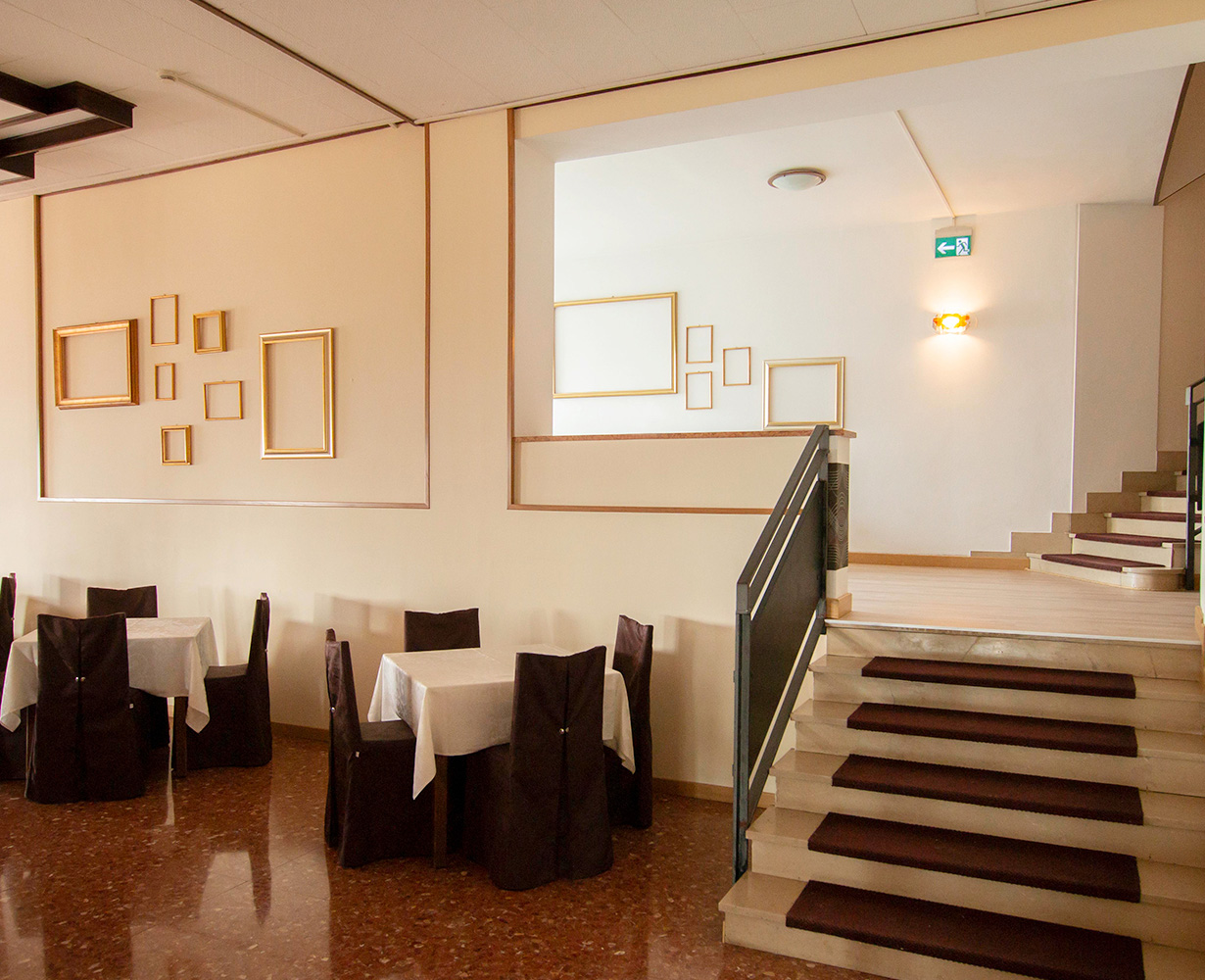 sala-ristorante-hotel-san-zeno